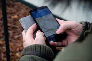 smartphone outside hiking technology